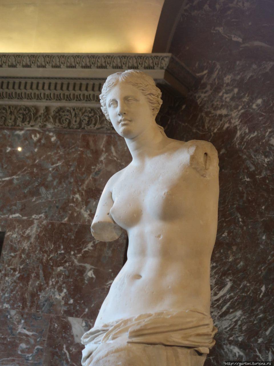 Статуя богини любви Афрод