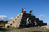 Пирамида, построенная в 1852 году Робертом Уорреном, называемая