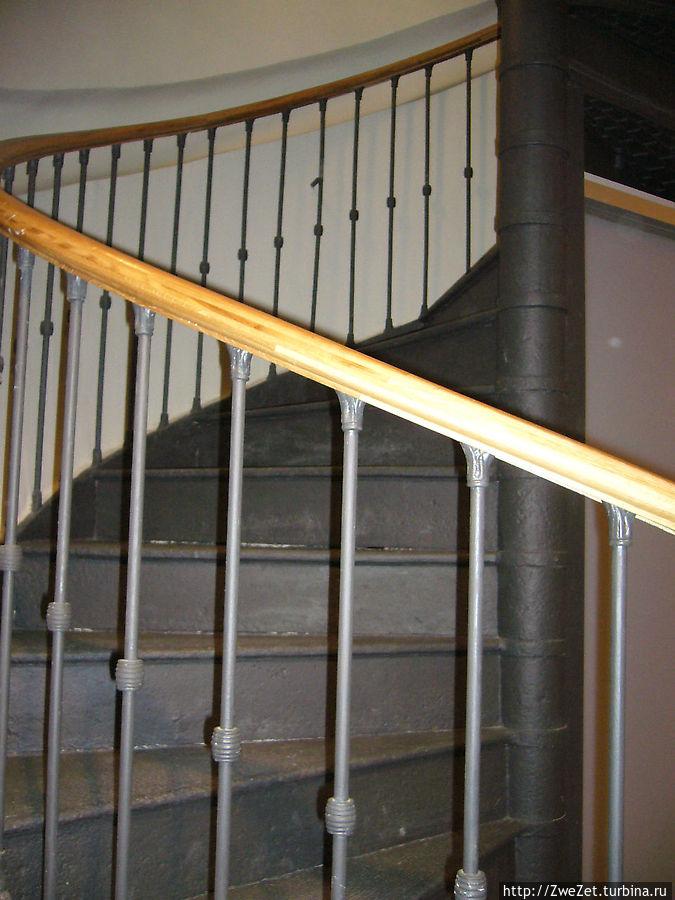 Аутеинтичная лестница