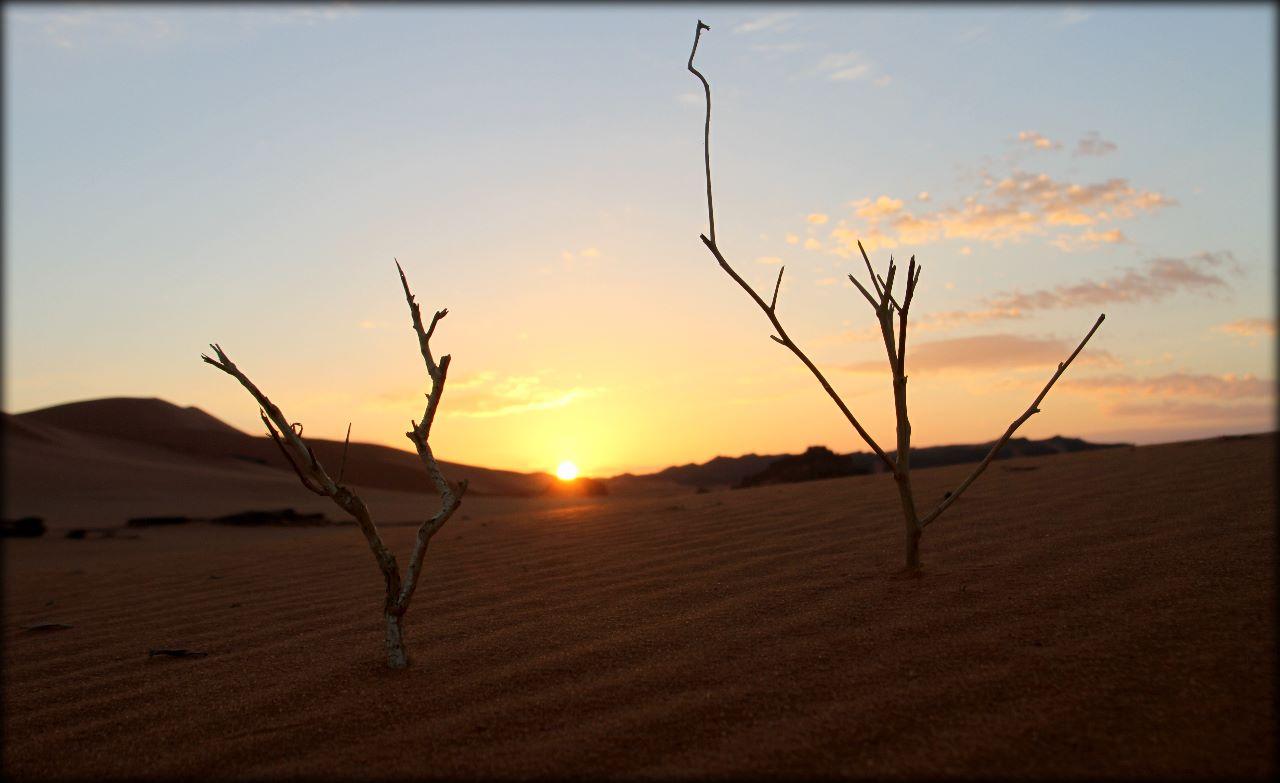 Алжирская Сахара, день третий — рассвет, облака и Гауди Тассилин-Адджер Национальный Парк, Алжир