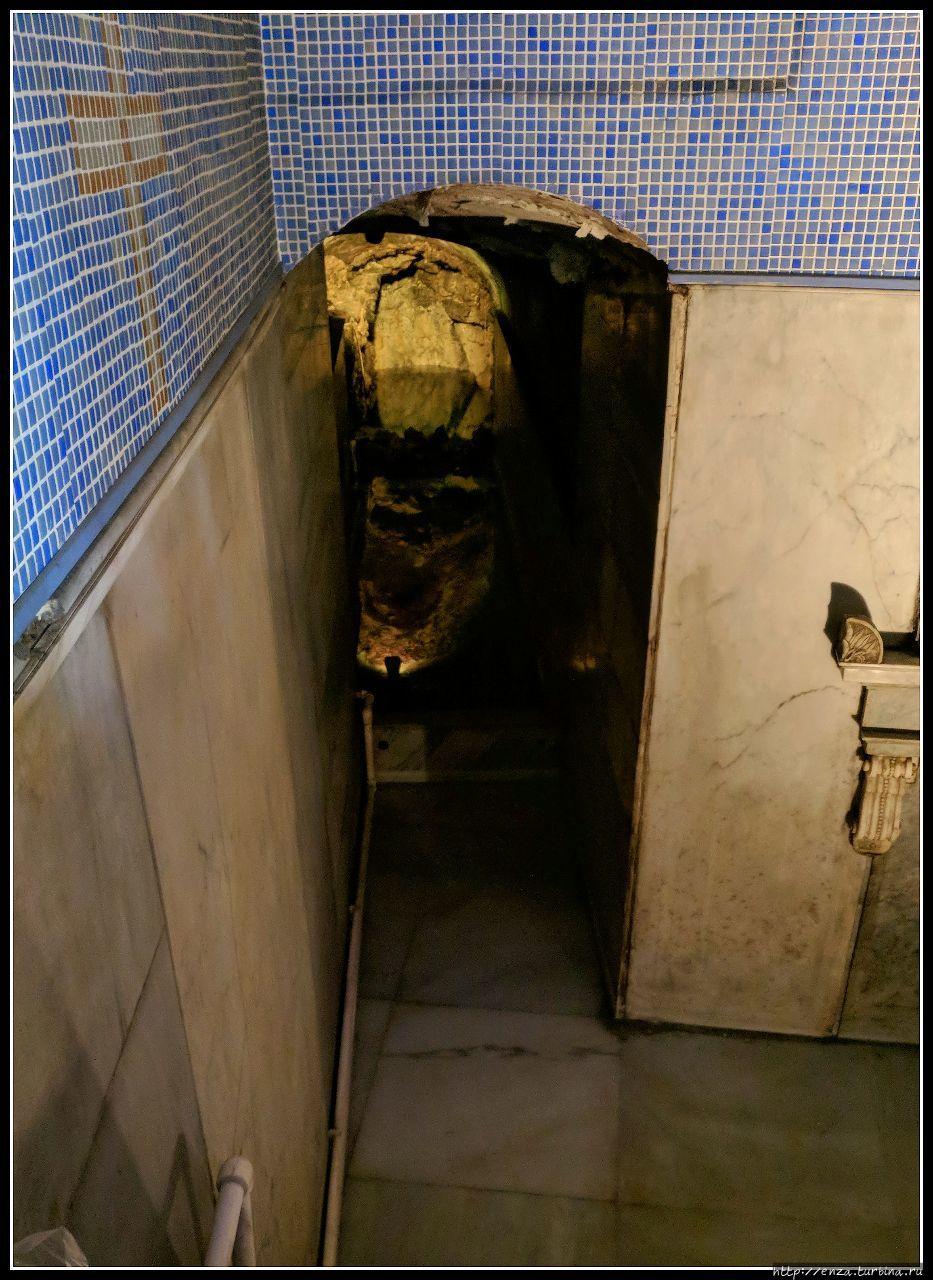 Подземный ход рядом с Вла