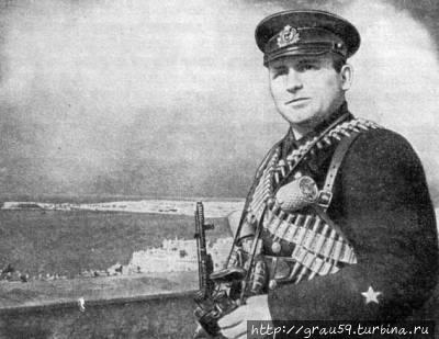 Мичман Волончук Ф. Ф., боец разведывательного отдела Севастопольского Оборонительного Района (фото из Интернета)