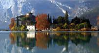 Озеро и замок Тоблино. Картинка из интернета