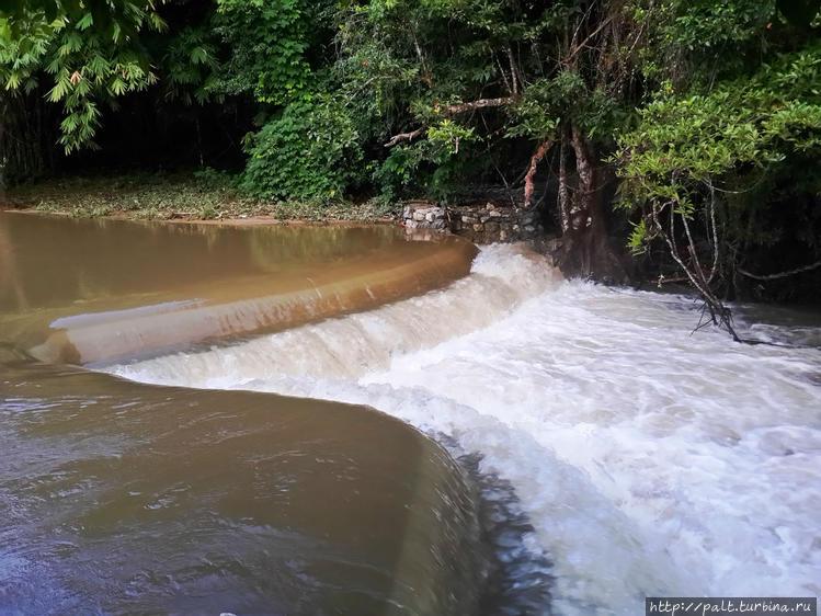 Настоящий шикарный водопа