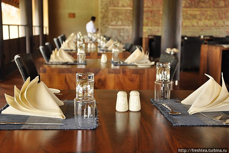 Ресторан отеля — экошик в чистом виде.