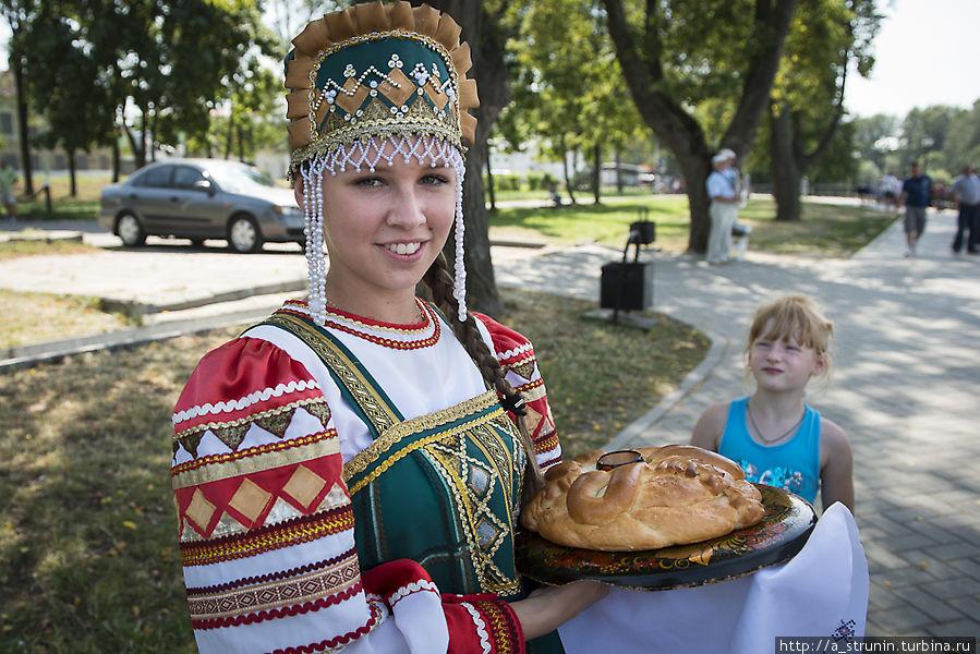 На «Золотом кольце» сидели... Углич, Россия