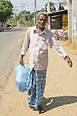 Считается, что средняя продолжительность жизни ланкийских мужчин составляет 73 года. Это достаточно много, если учесть, что уровень жизни на Шри-Ланке не такой уж и высокий.