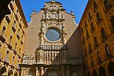 вот он тот самый внутренний дворик и портал входа в Базилику