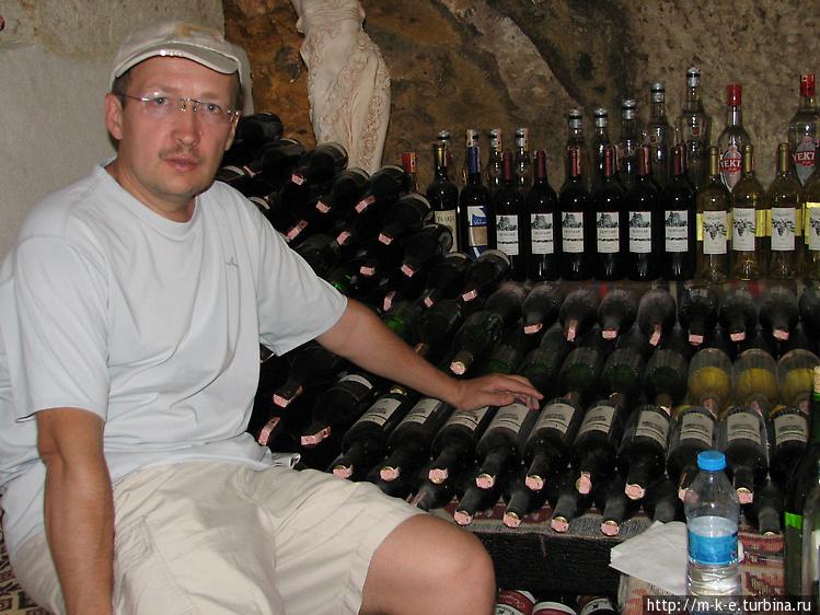 Мы в окружении бутылок ви