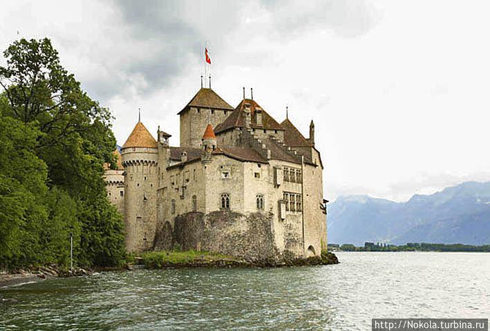 Шильонский замок — резиденция герцогов Савойских Монтрё, Швейцария