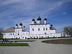 Троицкий Собор с церквями Сретения Господня и Введения во храм Пресвятой Богородицы