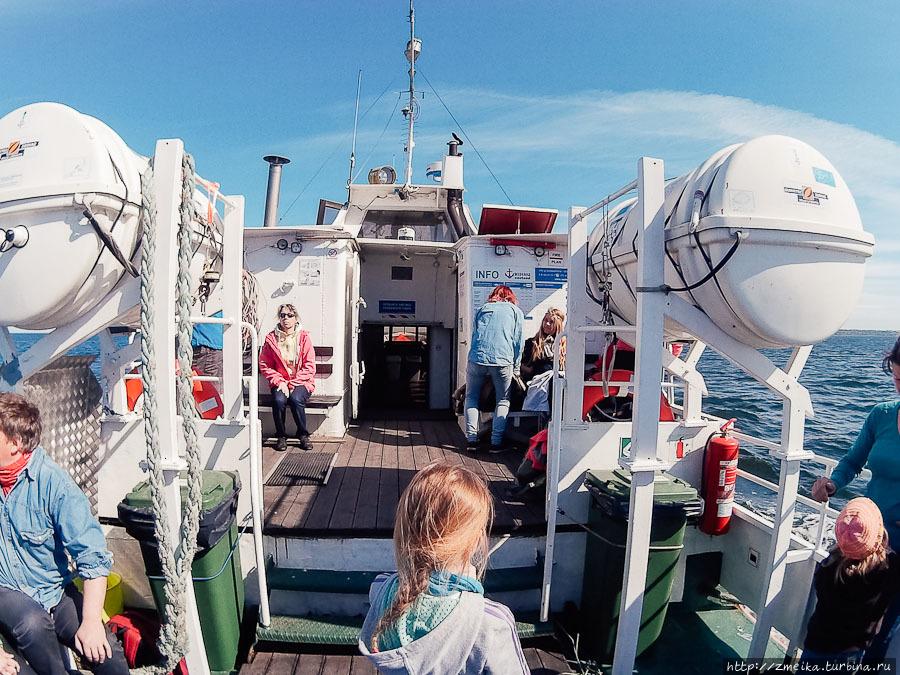Вид на палубу и внутренню