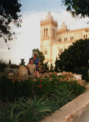 Около президентского дворца в Карфагене