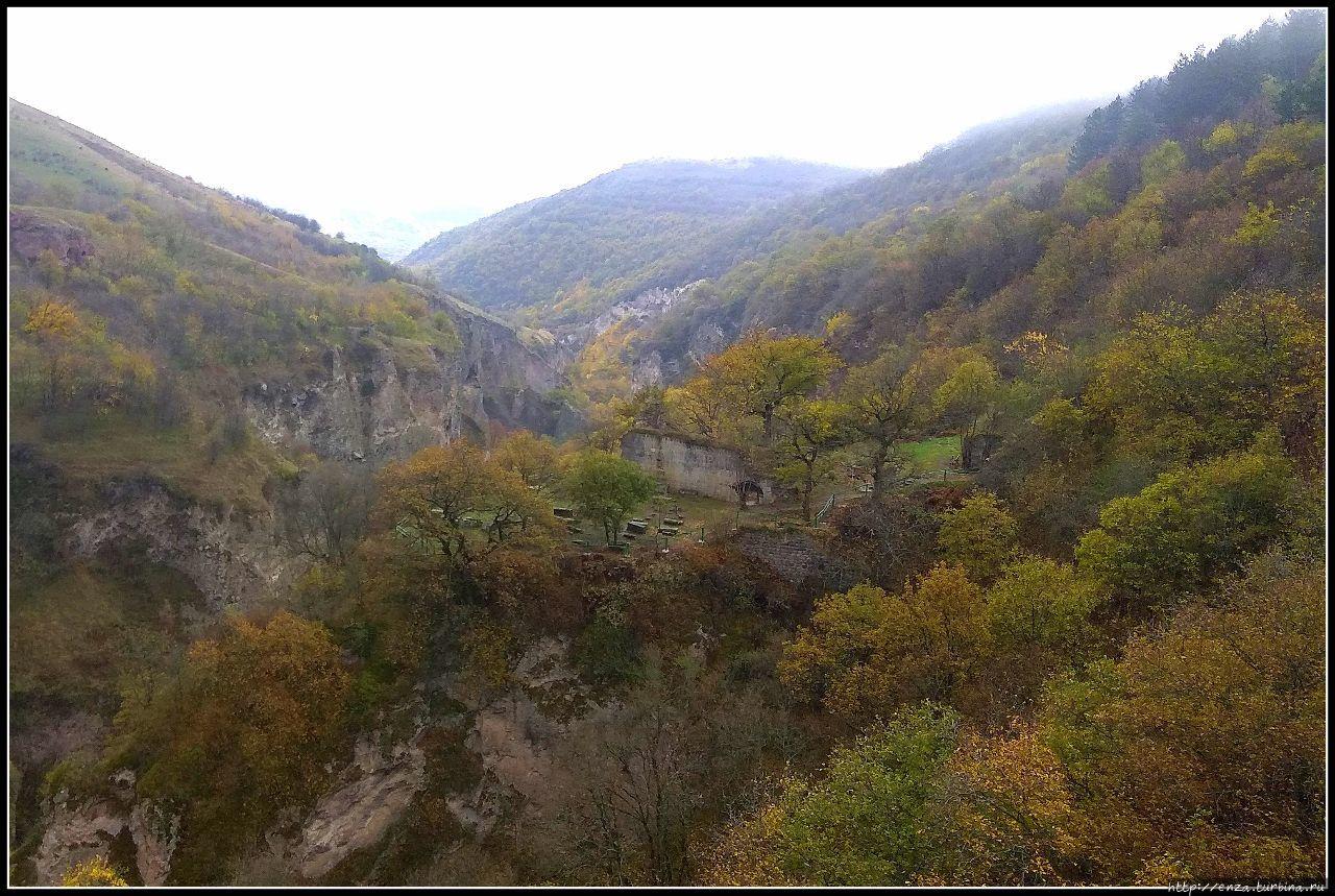 Пещерный город Хндзореск Хндзореск, Армения