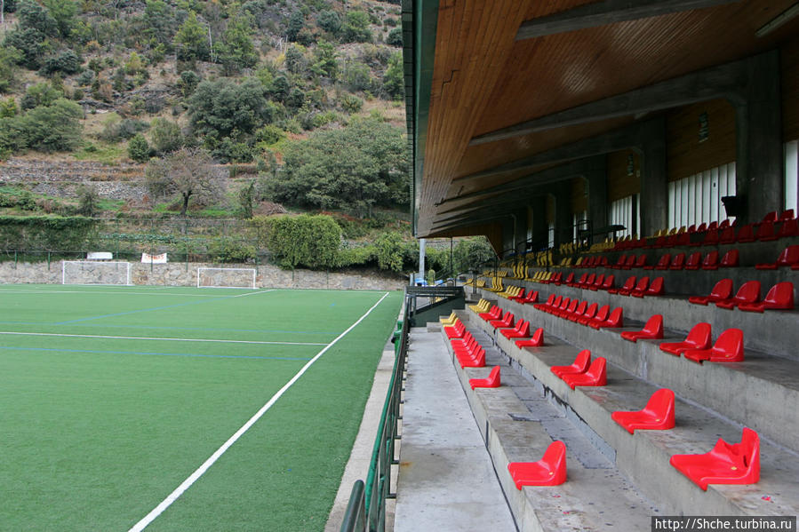 по данным УЕФА, здесь готовы принять 1000 блельщиков... Аиксоваль, Андорра