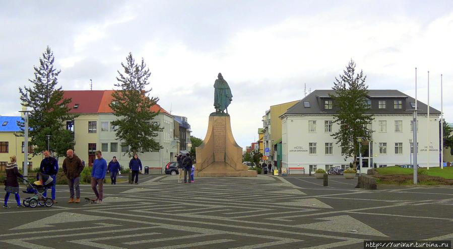 Памятник викингу Лейфуру Эрриксону, первооткрывателю Америки Рейкьявик, Исландия