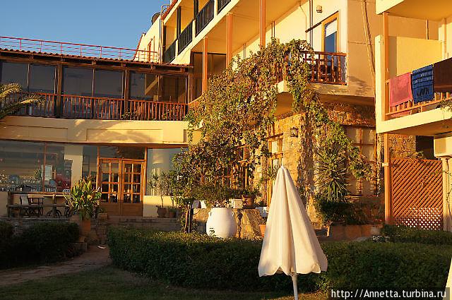 Территория отеля, ресторан