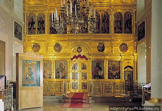 Иконостас с иконой Владимирской Божией матери (фото из Интернета)