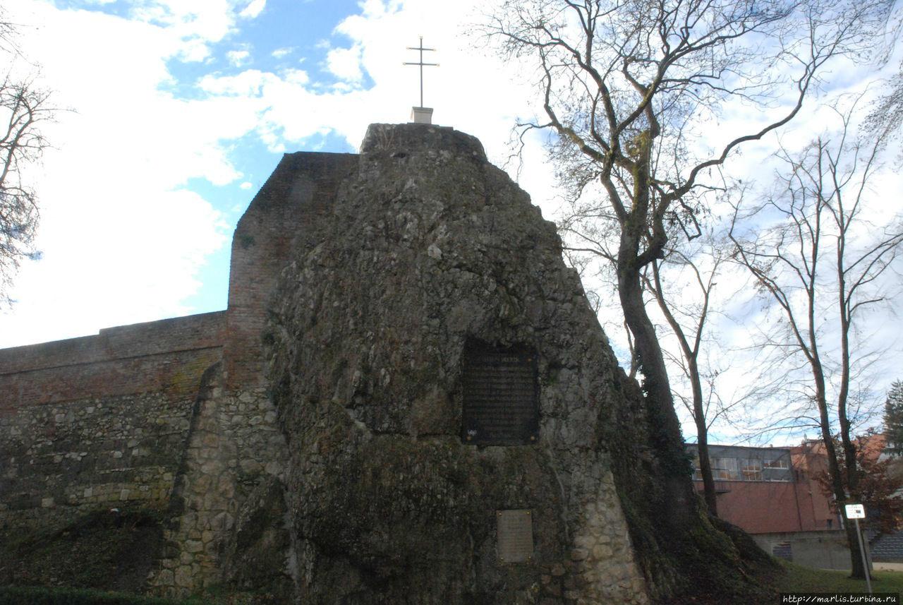Руины замка Манголдштайн,