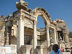 Храм Адриана