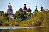 Монастырь на острове Михайловского озера