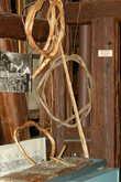 Плоты вязали корой,это видимо как лыко, только более прочное.Связать плот -было настоящее искусство.