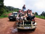 На дороге наверху кратера Нгоронгоро