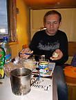 Игорь Лысенков в каюте с последним нашим обедом. Трёхсуточное плавание завершается