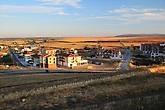 город расположен на правом берегу р. Агуеда, вид на новый город из крепости
