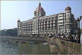 Отель расположен на набережной Аполлона, где очень любят прогуливаться иностранные гости... *