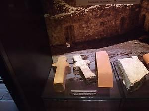 Средневековые строительные материалы и их копии в ХХ веке