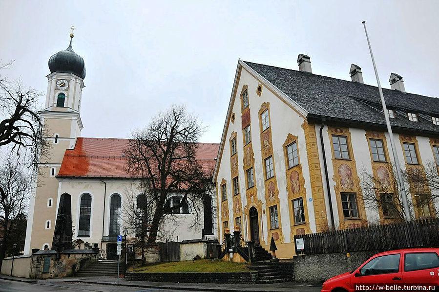 Оberammergau. Церковь Св.Петра и Павла (St.Peter und Paul kirche). Костел является примером южного немецкого барокко. Был построен в 1735-49 гг. Йозефом Шмуцером.