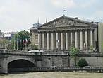 Место заседания Национальной ассамблей Франции в Париже.Строился в 1722 28 годах по проекту Лоренцо Джардини