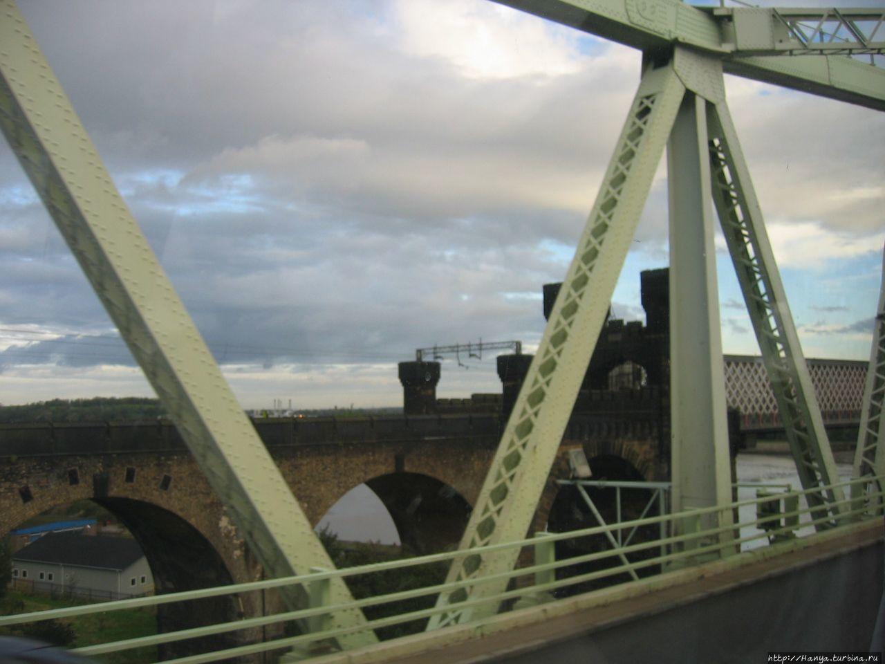 Два моста Ранкорн через р