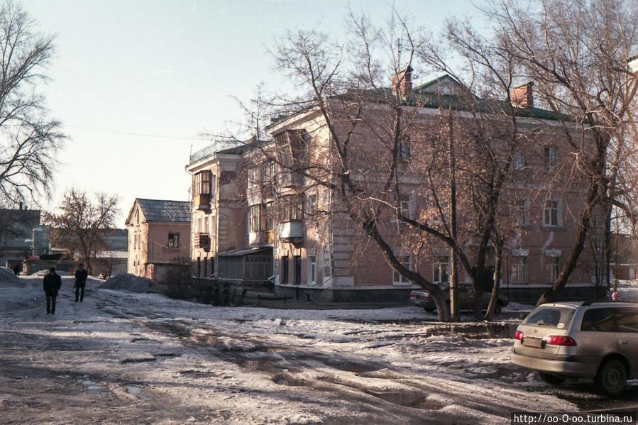 возле площади Ленина