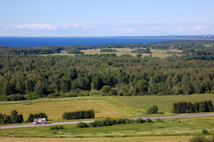 Шоссе Таллин-Нарва и море