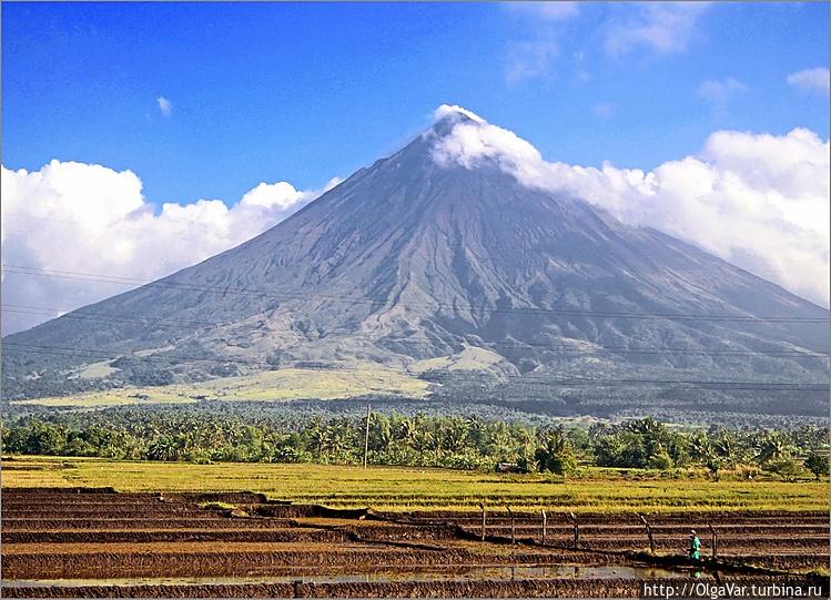 *У подножия вулкана на мн