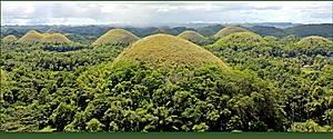 В долине насчитывается более полутора тысяч холмов