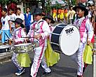 *Спортивное шествие открывали юные барабанщики.