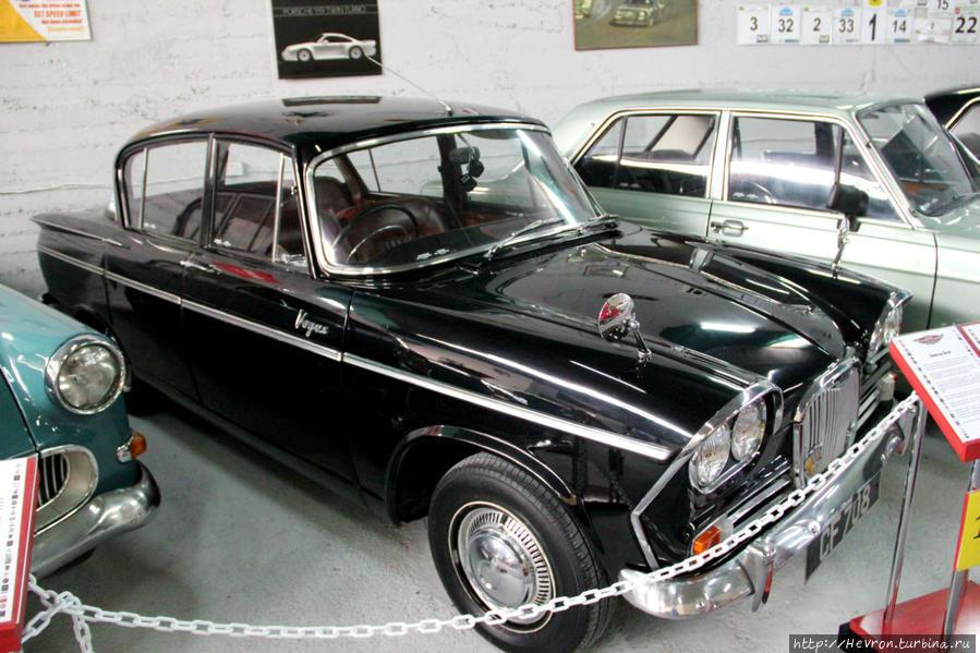 Сингер Воуг выпускалась с 1961 года производителем Рутс Груп, которая более уже не существует.