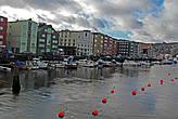 мост делит канал на две части Vestre Kanalhavn...