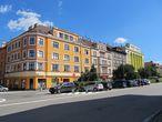 Тем более, учитывая то, что в Чешском Тешине живет много поляков, названия улиц, госучреждений приведены на двух языках – чешском и польском. Поэтому языкового барьера также практически нет. Ведь когда-то город был одним целым.