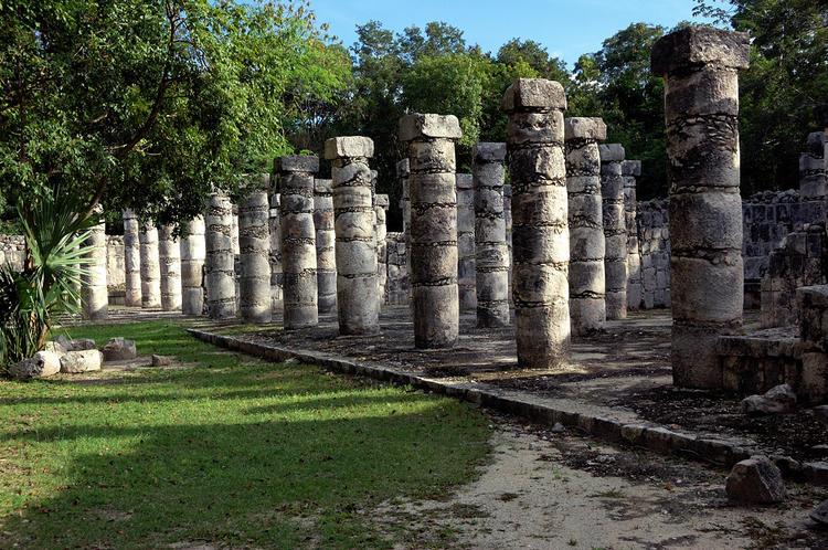 Зал тысячи колонн