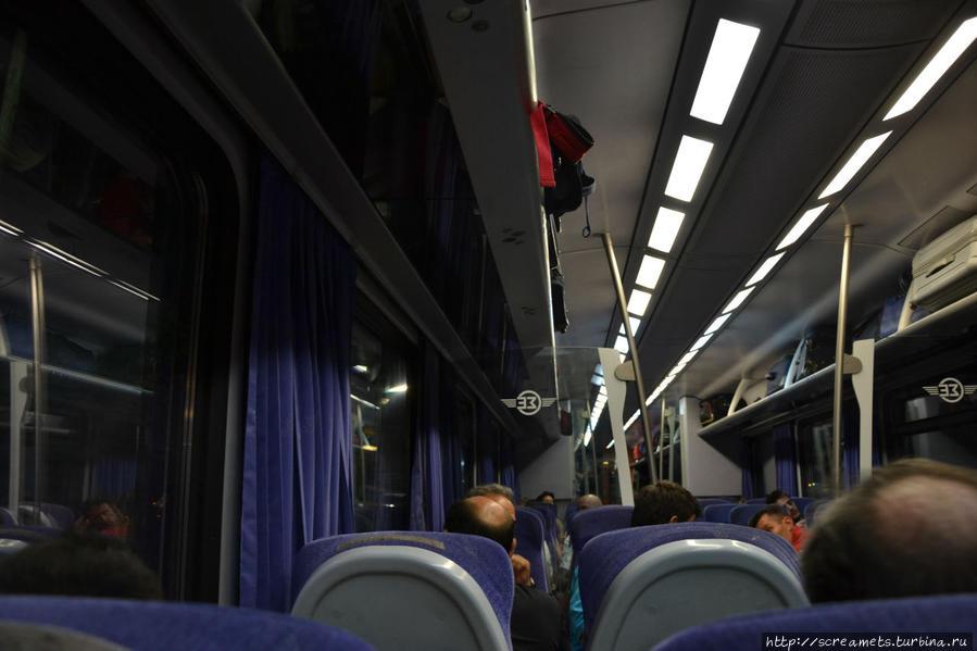 9) внутри вагона