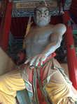 Статуя в храме.