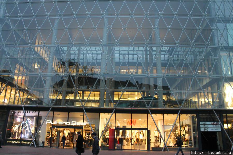торговый центр Luxus Будапешт, Венгрия