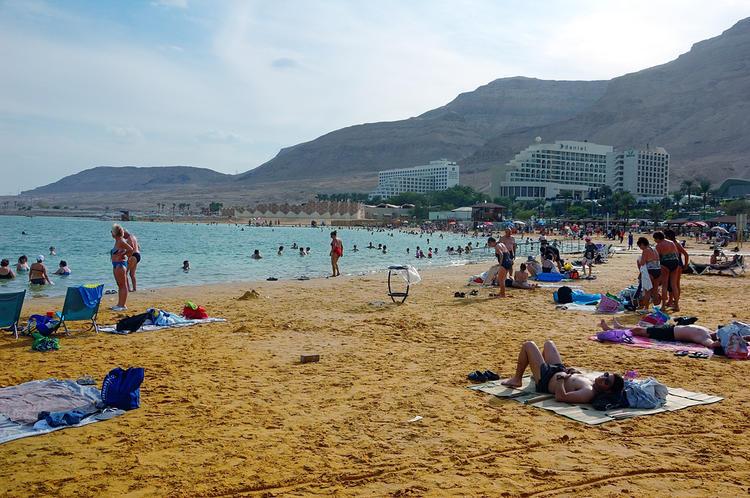 Пляж и отели