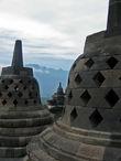 это те ступы со статуями будды внутри, о которых упоминает ЮНЕСКО на своем сайте