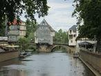 Каменный мост через Наю (1300г.) и ставшие символом города  домики на мосту — Брюкенхойзер (1495 г.)