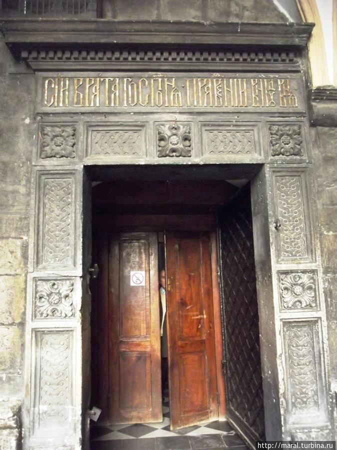 Врата Успенской церкви